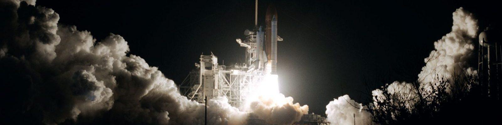 Despegue de la lanzadera espacial