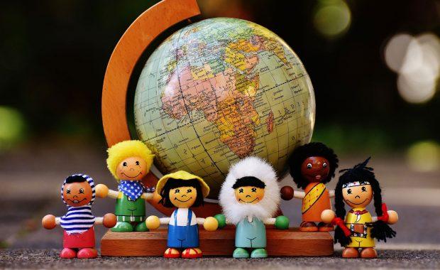 Razas, nacionalidades e idiomas diferentes