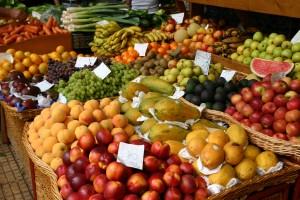 Frutas y verduras en el Mercado de los Pescadores de Funchal