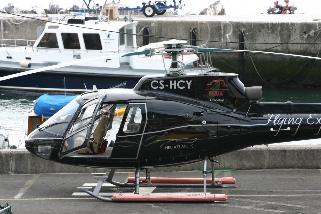 Helicóptero en el puerto de Funchal